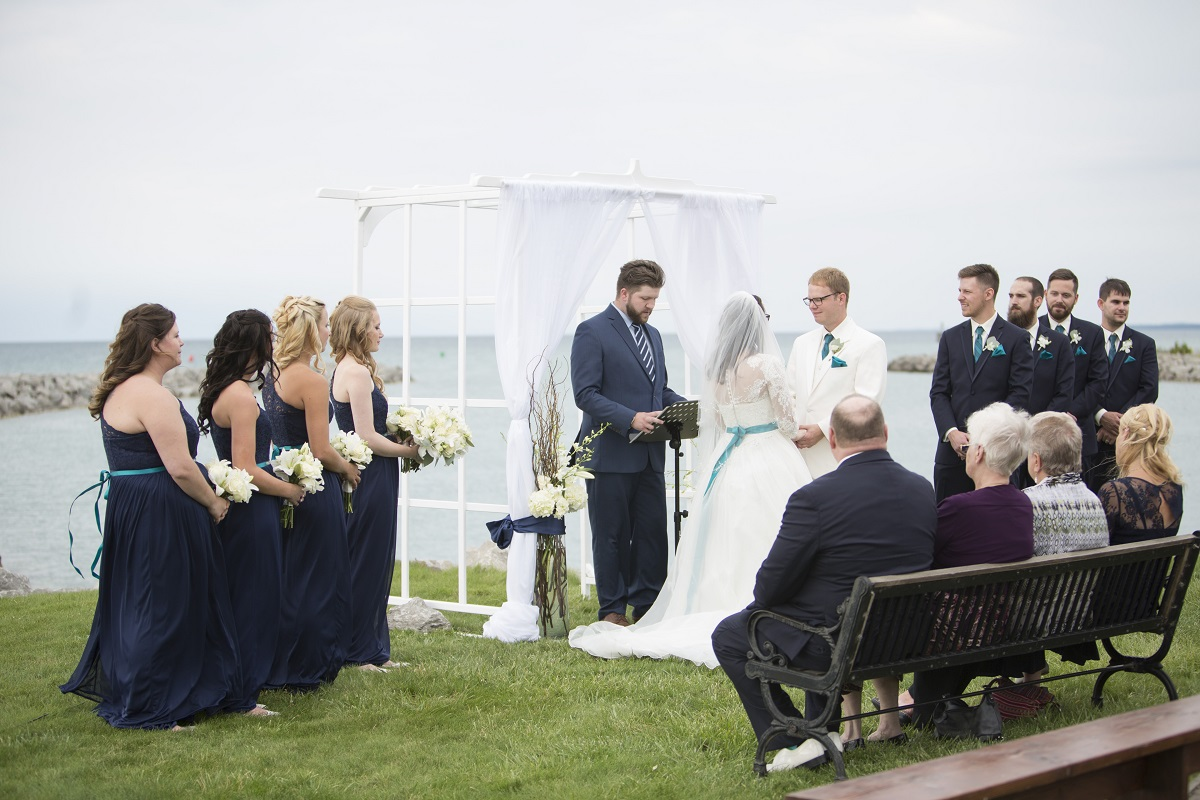 lake-michigan-wedding-in-elk-rapids-29