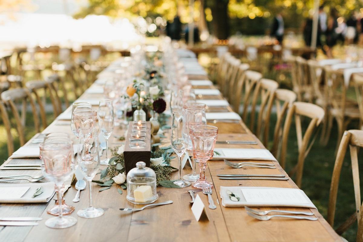 Fall Romance, a Fieldguide Farmhouse Wedding – juniper + lace events